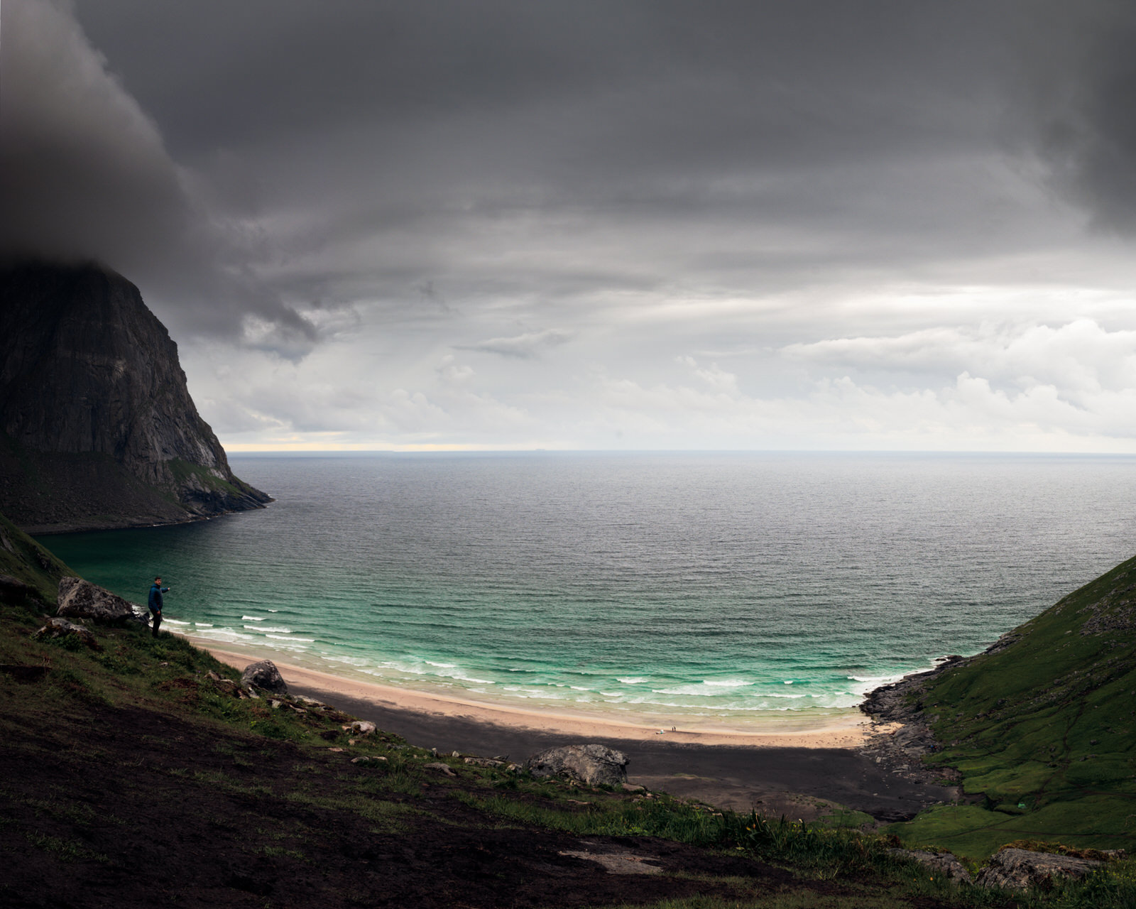 Hiking to the Kvalvika Beach – The most stunning Viking beach in Lofoten Islands