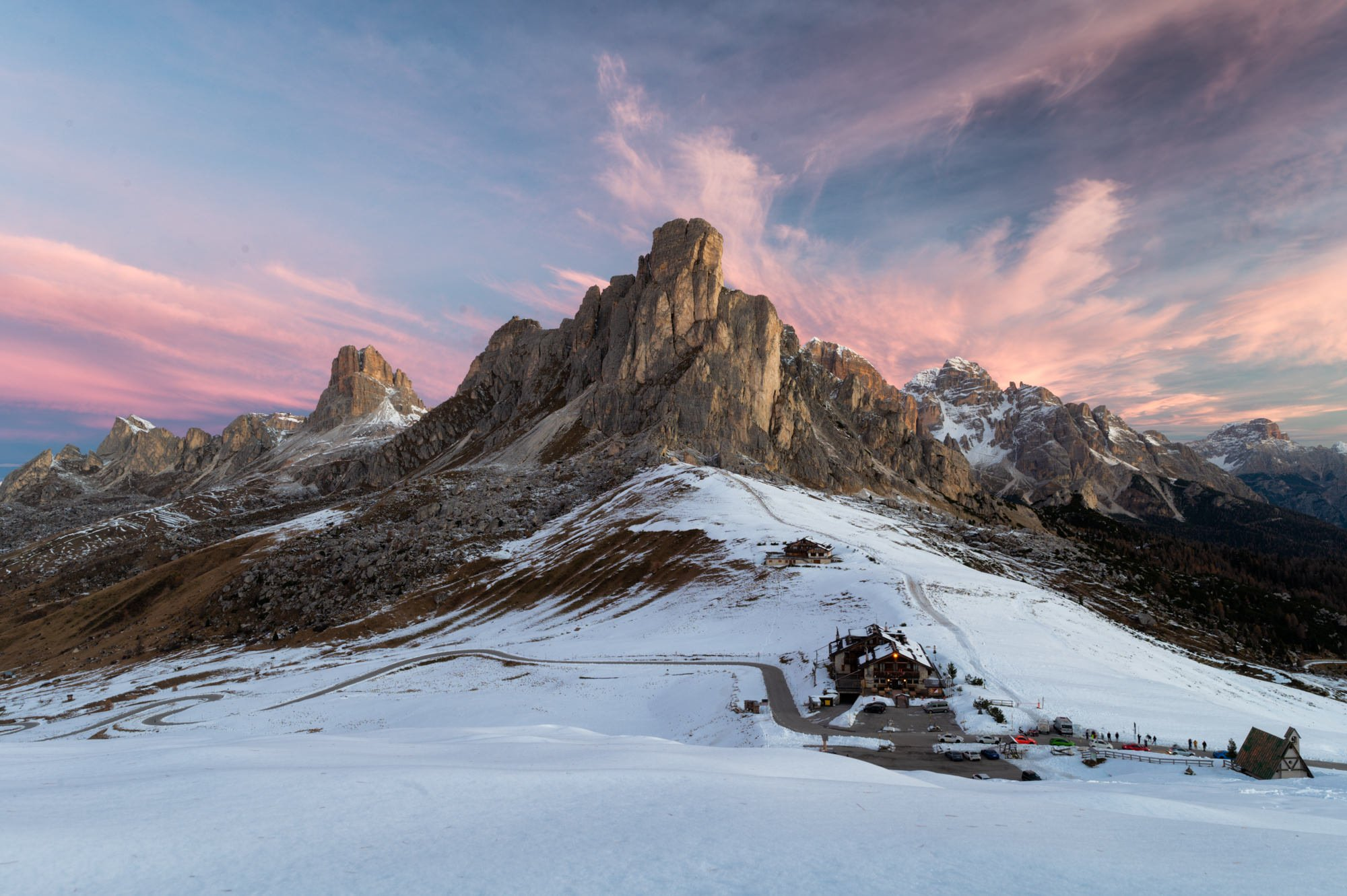 4 best car accessible views in Dolomites